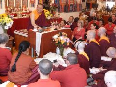 Ven. Lama Dondrup Dorje teaching at the Pathgate Summer School